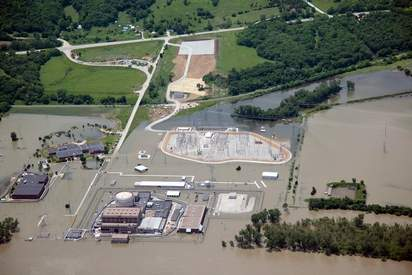 BREAKING: Flood Wall Fails At Ft. Calhoun Nuclear Power Plant